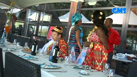 Tenue traditionnelle Africaine by skymedias - YouTube