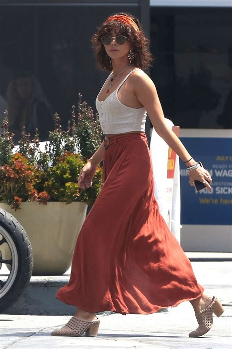 Sarah Hyland in Long Skirt – Out in Studio City   GotCeleb
