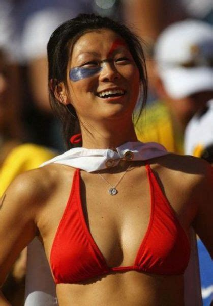 Hot Girls Spotted in the 2010 World Cup Stands (50 pics
