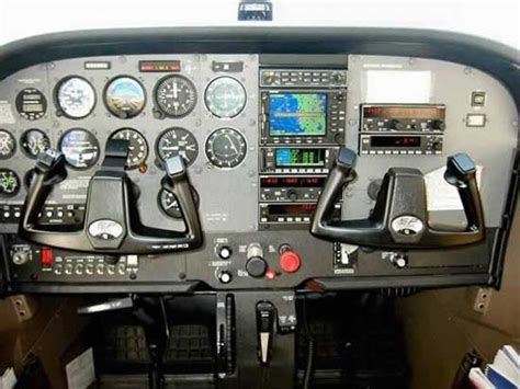Cessna 172 Specifications, Cabin Dimensions, Speed