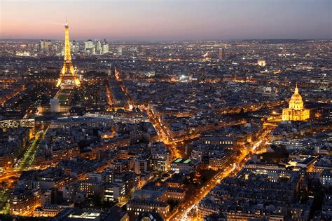 Brexit: Paris could lure 20,000 finance jobs from Britain