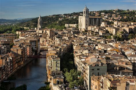 Girona and Dalí's World - Best day trip from Barcelona