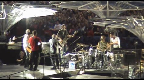 Fans on stage with U2: Angel Of Harlem, Berlin 2009